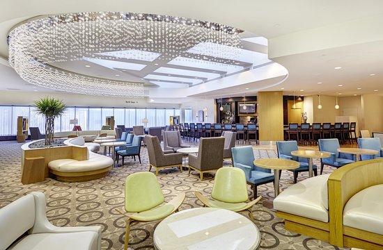 DoubleTree by Hilton - Washington DC - Crystal City: Lobby