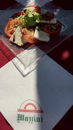 Grenchen, İsviçre: Hervorragender Caprese Salat