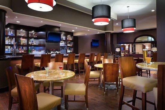 Modesto, CA: Lobby Lounge