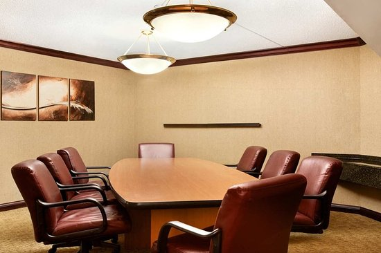 Miamisburg, OH: Exeuctive Suite Board Room