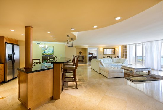 Doubletree by Hilton Grand Hotel Biscayne Bay: Largest Condominium