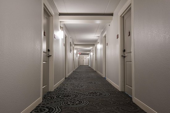 DoubleTree by Hilton Hotel Cocoa Beach Oceanfront: 6th floor corridor