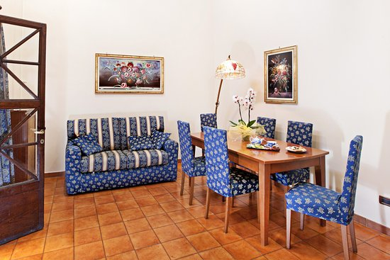 Hotel augustea rome italy reviews photos price for Hotel augustea rome