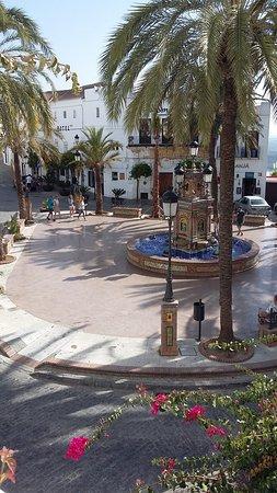 Zahora, إسبانيا: Vejer de la Frontera town square
