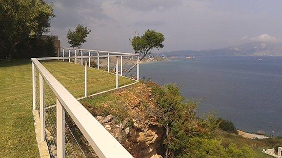 Лимни-Кери, Греция: View from edge of grounds
