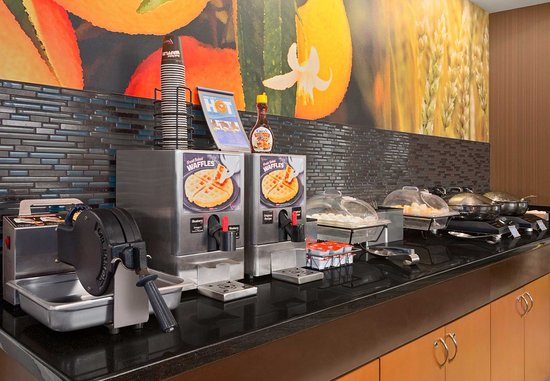 Norman, Оклахома: Breakfast Buffet