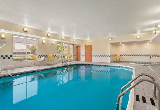 Norman, Оклахома: Indoor Pool & Hot Tub