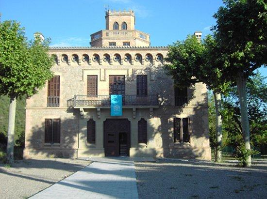 Gironella, Espanha: Fachada de la Torre de l'Amo