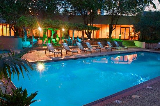 Hilton Houston Westchase: Pool