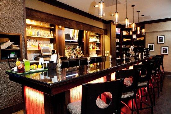 هيلتون جرينفيل: Villedge Bar