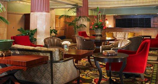Hilton President Kansas City: Hotel Lobby
