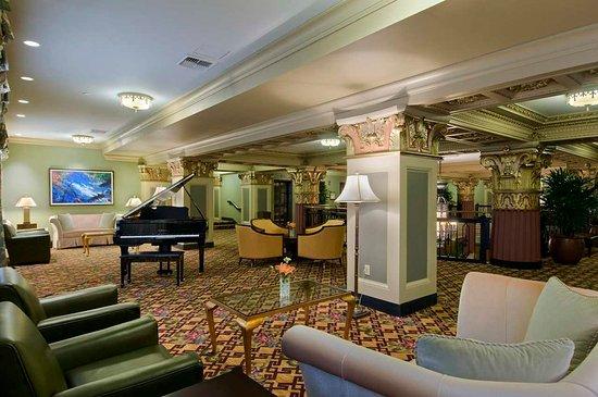 Hilton President Kansas City: Mezzanine