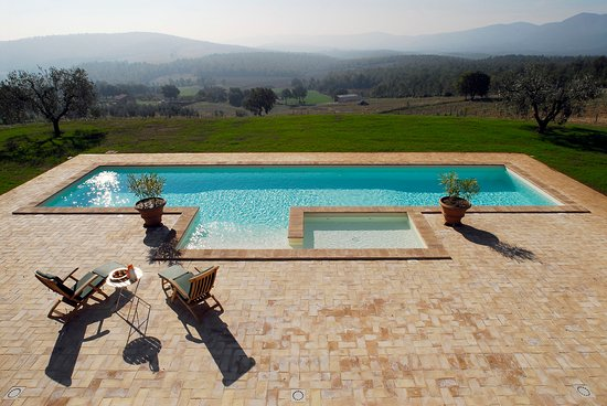 True Umbria: A Pool with a gorgeous view