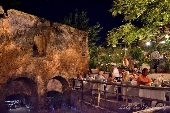 Milos tou Kerata: Restaurant Mylos Crete
