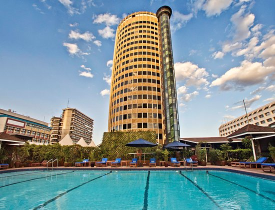 Hilton Nairobi: Heated Pool