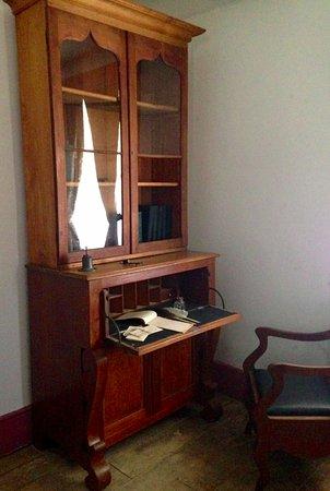 Pickering, Canadá: Victorian Secretary Desk