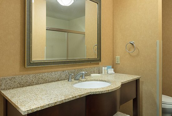 Brownsburg, IN: Standard Bathroom