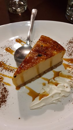 Highworth, UK: Brulee cheesecake