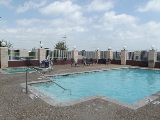Gainesville, تكساس: Outdoor Swimming Pool