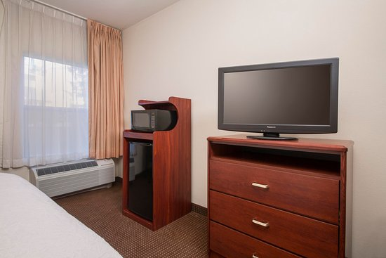 Hampton Inn Tracy: Guest Room Amenities