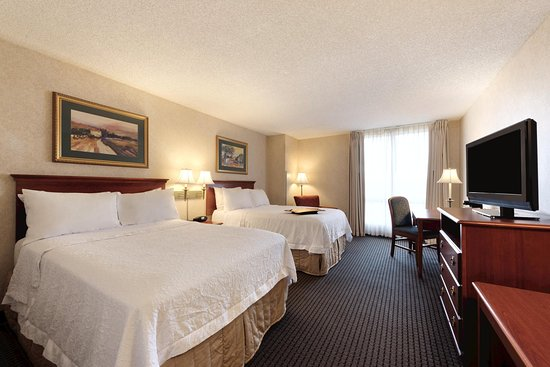 Hampton Inn & Suites Kansas City Country Club Plaza : 2 Double Guest Room