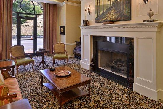Hampton Inn Pikeville: Hampton Pikeville Hotel Lobby