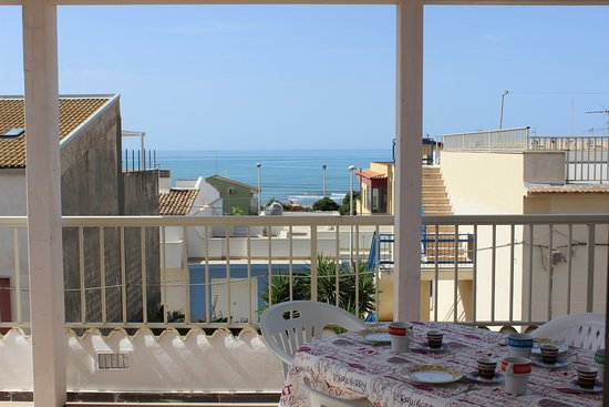 terrazza vista mare - Picture of Mare In Sicilia Marina Di Ragusa ...