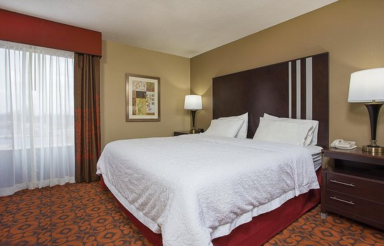 Dry Ridge, KY: 1 King Bed Guest Suite