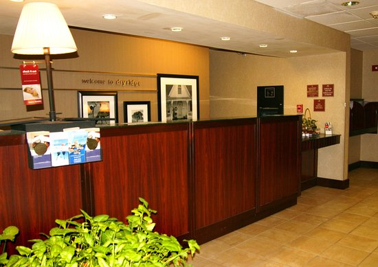 Dry Ridge, KY: Front Desk