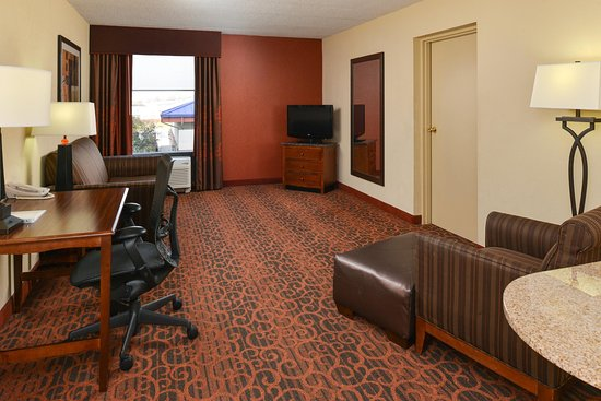 College Park, MD: King Bed - 1 Bedroom Suite