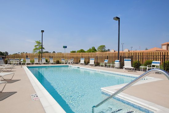 Dunn, Karolina Północna: Pool