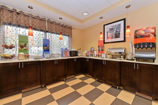 Hampton Inn Laurel (Fort Meade Area): Free Breakfast