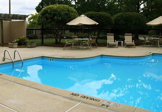 Hampton Inn New Bern : Pool