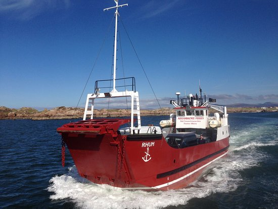 Burtonport, Ireland: Arranmore Car & Passenger  Ferry Service.  Sailing 7 days of the week.