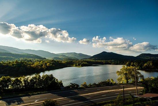 Caryville, TN: Beautiful Lake Vista
