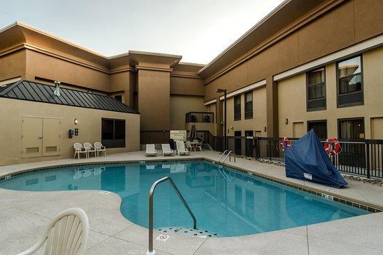 Caryville, TN: Luxurious Outdoor Pool