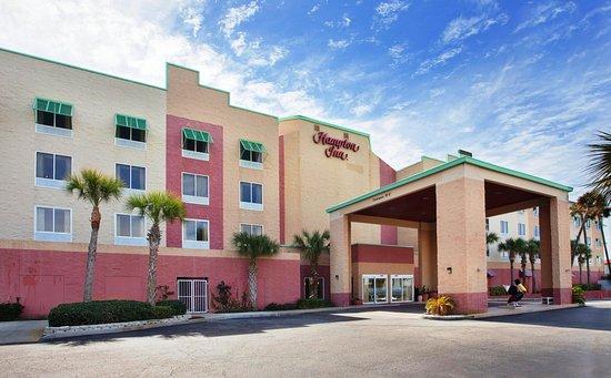Hampton Inn Pensacola Beach: Hotel Exterior