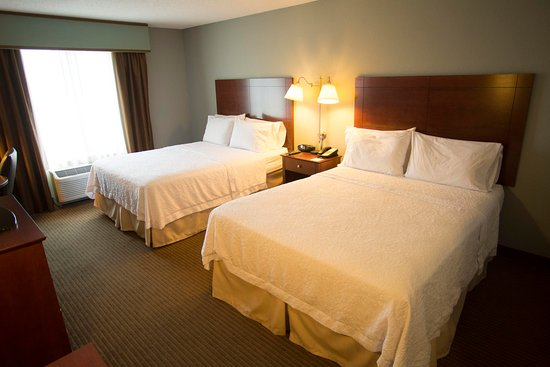 Hampton Inn Warsaw: Queen Room