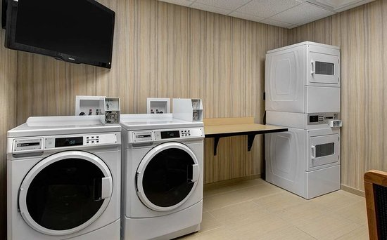 Hampton Inn Provo: Guest Laundry