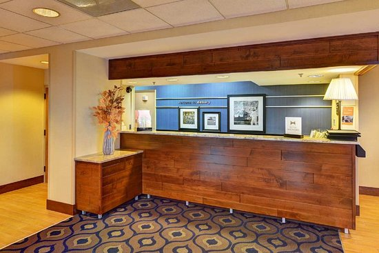 Hampton Inn DeBary/Deltona: Front Desk