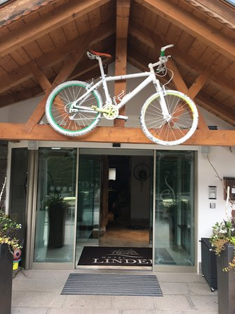 Hotel Linder : Bike-friendly hotels in Val Gardena are designated by old, painted mountain bikes.