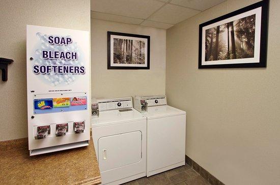 Frazer, PA: Laundry