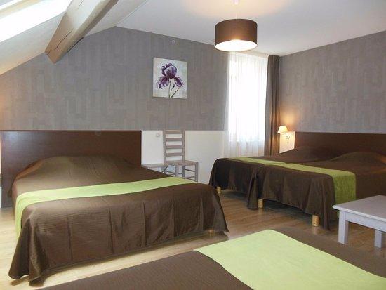 Chambre familiale 5 personnes photo de hotel for Chambre western