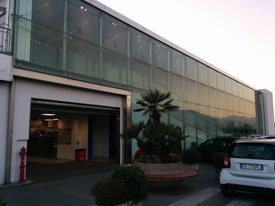 Centro Commerciale Cavese