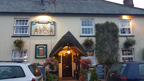 Crediton, UK: Tom Cobley Pub