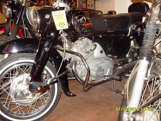 Anamosa, IA: Honda CB72 250cc