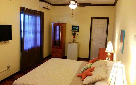 Ocean Tide Beach Resort: 2ND FLOOR ROOM