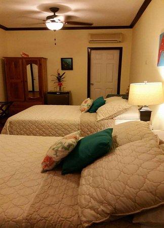 Ocean Tide Beach Resort: 3RD FLOOR ROOM
