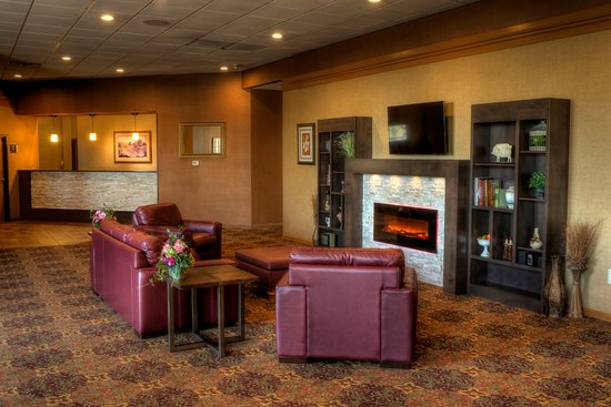Fairfield, IA: Lobby