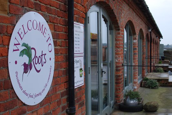 Northallerton, UK: Entrance to Roots Farm cafe and shop